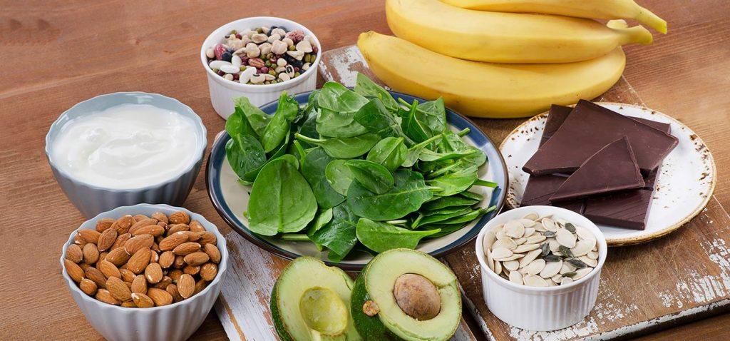 Богатите на магнезий храни са от съществено значение за клетъчното здраве и над 300 биохимични функции в организма. За съжаление, около 80% от