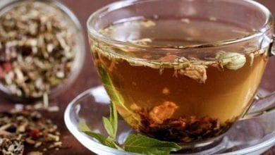 чай от бъз, шипка и лимонова трева