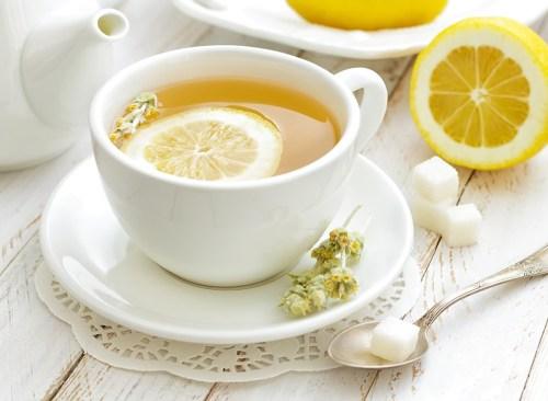 бял-чай-с-лимон-отслабване