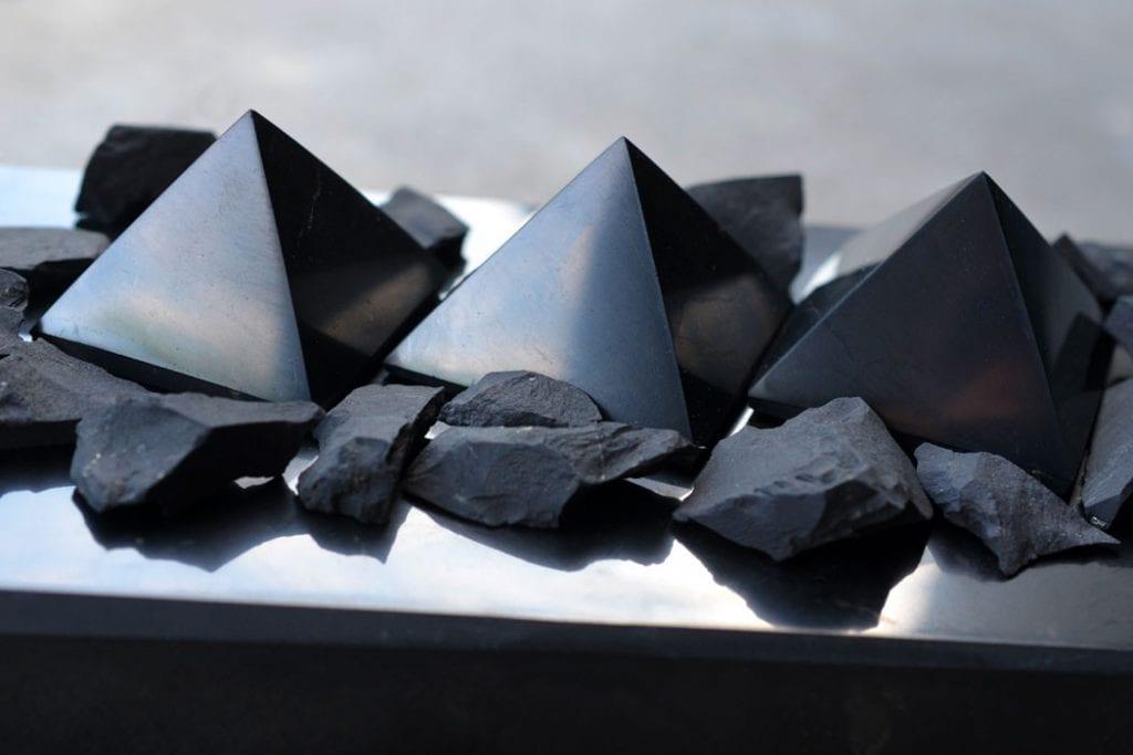 шунгит-Лечебните-свойства-на-минерала