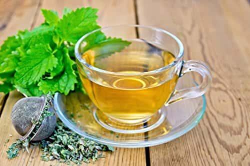 Какви-са-ползите-за-здравето-на-чай-от-маточина
