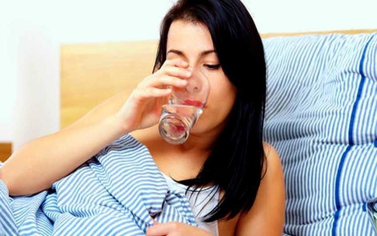 6 лесни начина за детоксикация на организма, приемане на вода
