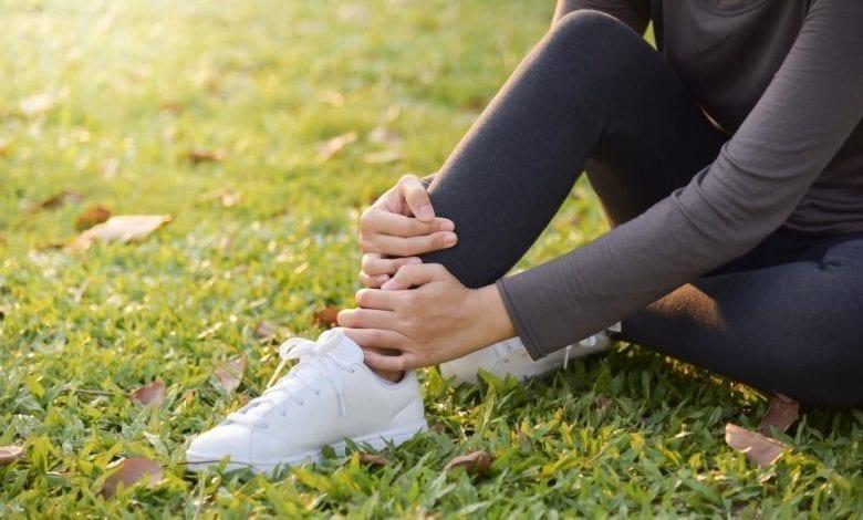 Photo of Болка в кръста и краката: Каква е причината и Как се лекува