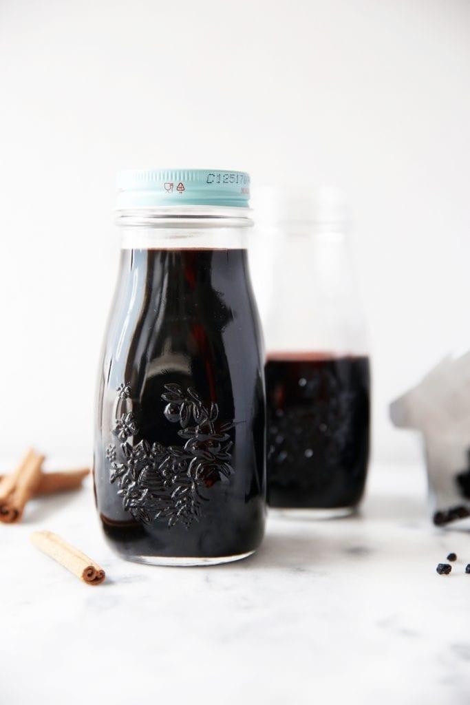 снимка на сок от бъз и канела