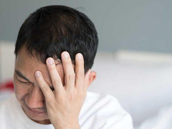 Как да се Избавим от Клъстерно Главоболие? ( 3 Лечения)