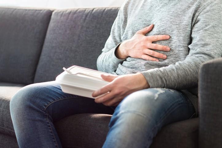 Причини за Подуване на стомаха: 10-те Виновника
