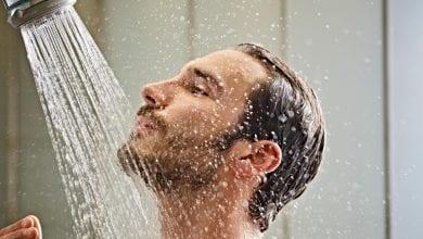 Студен душ срещу горещ душ: Ползи и Разлики